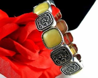 Off White Glass Stone and Silver Tone Link Stretch Bracelet Vintage 80 Bracelet Cream Glass Square Links 8 Inch Bracelet