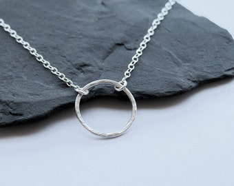 Silver Circle Necklace, Minimalist Necklace, Hammered Circle Pendant, Eternity Necklace, Sterling Silver Necklace, Textured Necklace, Gift
