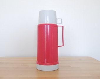 Vintage Fuchsia Thermos • Hot rose en plastique dur • café thé chaud soupe • pique-nique déjeuner • 70 s 80 s Glamping Camping • verre isotherme