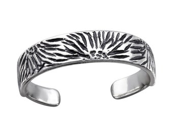 Sterling Silver Oxidised Patterned Toe Ring