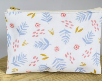 T-bottom or No Bottom Accessory Pouch | Periwinkle Leaves (light) |