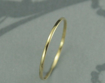 Solid 18K Gold Band--Thin Rose, Yellow or White Gold Ring--Super Skinny Minnie Plain Jane Stacking Ring or Thin Wedding Band--Spacer Band