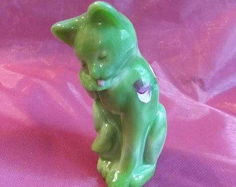 Fenton Glass chameleon green hand painted artist signed grooming kitty cat