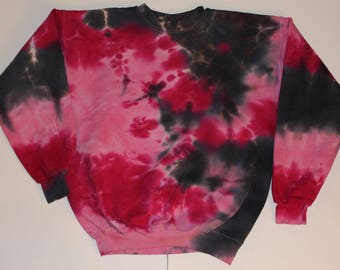 Adult medium tie dyed crewneck