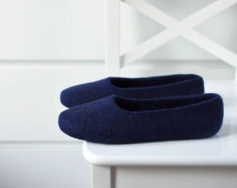 Navy felt slippers for women - Hand dyed wool slippers - Felted ballet flats - Indoor footwear women - Minimalist mother's day gift