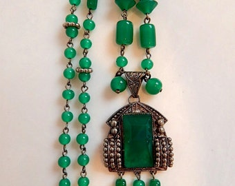 Max Neiger. Czech, Art Deco, Chrysoprase Glass, Silver Plated Necklace
