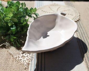Vintage pottery leaf bowl vintage planter Mid Century speckled ceramic 2220 B USA pottery
