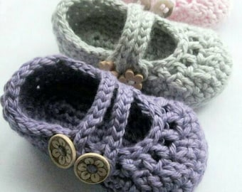 Baby Booties , Crib shoes , Mary Janes, baby slippers // You Choose Size and Color // Baby Shower Gift , Pregnancy Announcement