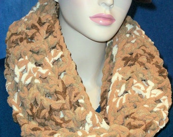 Brown Crochet Infinity Scarf, Infinity Scarf, Beige Crochet Scarf, Plush Scarf Chunky Infinity Scarf, Carmel Color Scarf, Tan Taupe Scarf,