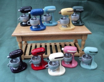 Dolls House Miniatures - 1/12th Hand Painted Kitchen Mixer x 1