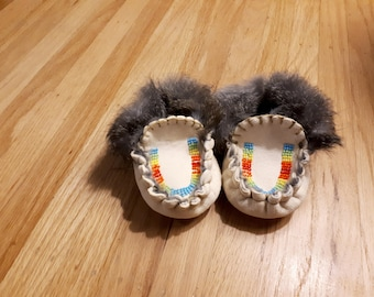 Baby / Toddler Beaded Puckertoe Moccasins with Fur