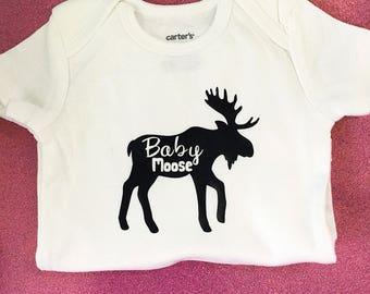Moose bodysuit / baby girl bodysuit / baby boy bodysuit / preemie boy bodysuit / preemie girl bodysuit / baby girl clothes / baby boy