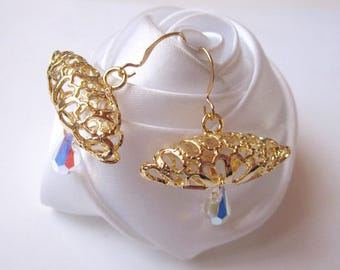 Shell gold earrings and Crystal