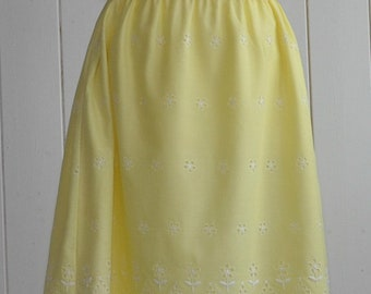 Gorgeous 1970's yellow embroidered sundress