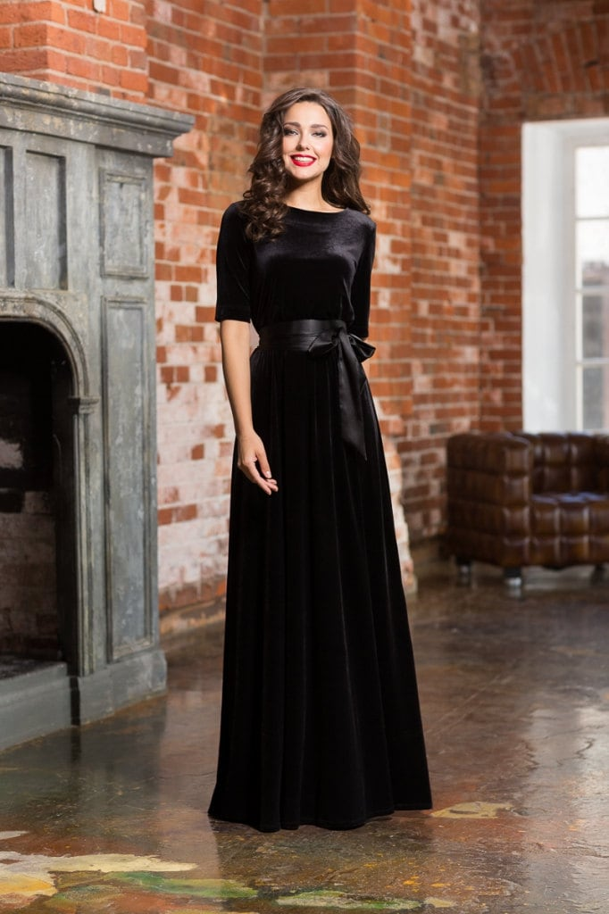 Black Long Dress Velvet Maxi For A Woman Autumn