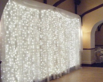 304 LED 10' x 10' lights and curtains