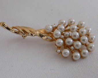Vintage brooch, signed Keyes pearl filled flower brooch,retro jewelry