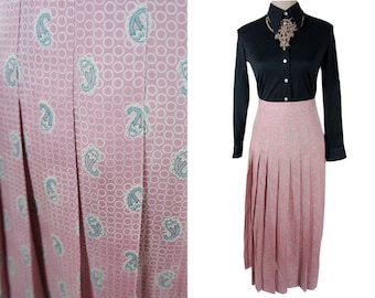 ViNTAGE SKIRT Gatsby skirt. Pale Pink and grey Paisley print. Size XS. Romantic, feminine. Midi length. Pleated. Pleated.