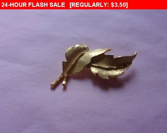 Vintage gold tone leaf brooch, estate jewelry
