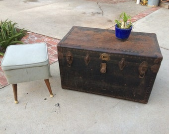 Vintage Trunk Coffee Table Primitive Chest Rustic Trunk Coffee Table  SteamPunk Storage Trunk Bar Table Rustic