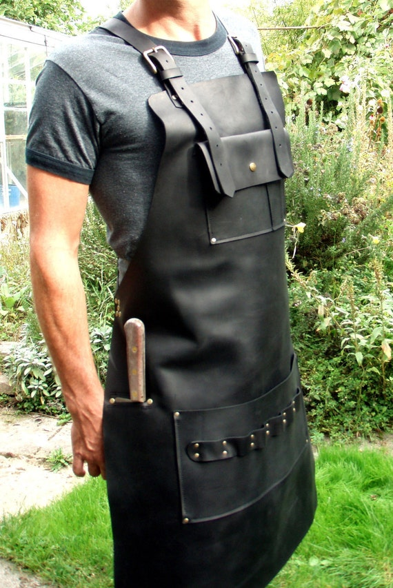 Lovely Black Leather Apron with Knife Sheath Pocket VY35