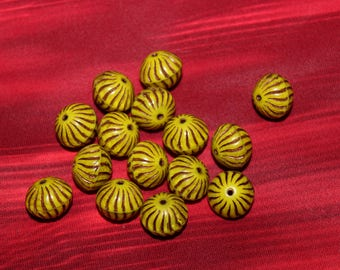 Donut 12x6mm shiny yellow / old patina (2pcs)