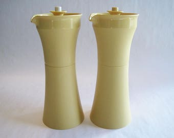 Oil & Vinegar Salad Dressing Cruets - Vintage Tupperware #1246 – Harvest Gold Set of 2