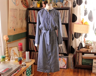 belted 60s shirt dress . blue polka dot dress, womens volup size medium large