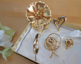 Gold Toned Brooches - Vintage Fashion - Lot of 5 - 1960's Era