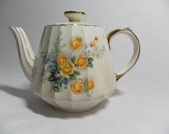 Sadler Teapot - Yellow Roses & Blue Flowers