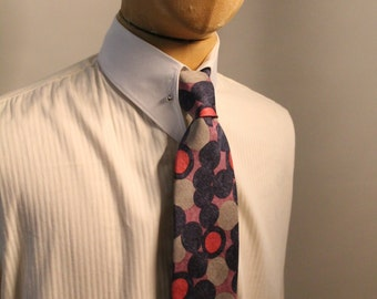 Silk four in hand single fold tie with original vintage print
