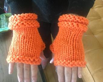 Fingerless gloves: any color!