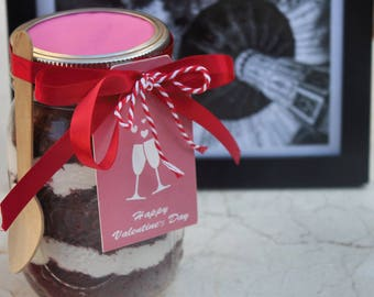Red velvet cake jar