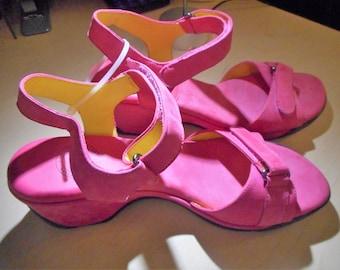 VINTAGE Womens Shoes   Size 8M    by NURTURE    Never Worn,  Still In Box