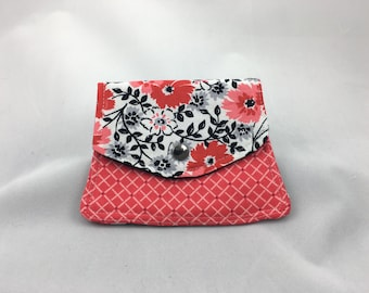 Rounded Front Pocket Wallet with Snap Closure