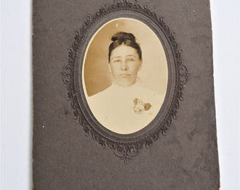Antique Victorian CABINET CARD PHOTO Picture Vintage Lady Photograph Gibson Girl Hair Floral Flower Corsage Lace Dress Nosegay Turn Century