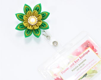 Flower Badge Reel St Patricks ID Badge Reel Nurse Id Badge Flower Id Holder Nurse Badge Reel Green Gold Id Holder Retractable Id Holder