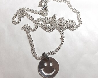 Happy face Have a nice day retro silver tone pendant and necklace chain 44cm