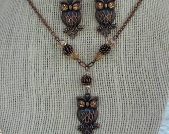 Antique copper owl jewelry set, copper owl necklace with matching owl earrings, rhinestone owl pendant necklace and earrings