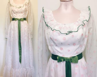 1960s 1970s sweet rosette gown with green ribbon