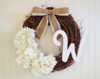 White summer wreath, spring wreath, wreath with monogram. personalized wreath. white wreath.