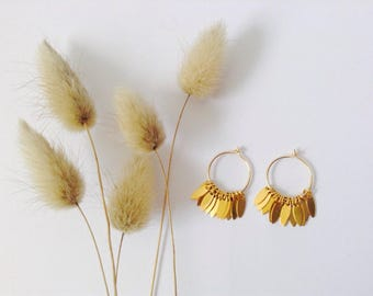Small gold hoop earrings in 14 Kt Gold Filled, tiny hoop earrings, Comme les Blés.