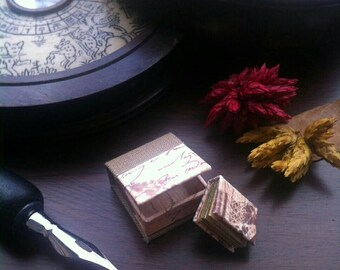 Miniature notebook and drop spine box. Handmade  stationery for dollhouses, miniature furniture and accesories.
