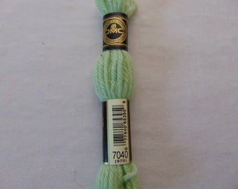 Cotton canvas, DMC wool Colbert 486 E_7040, green bamboo shoot