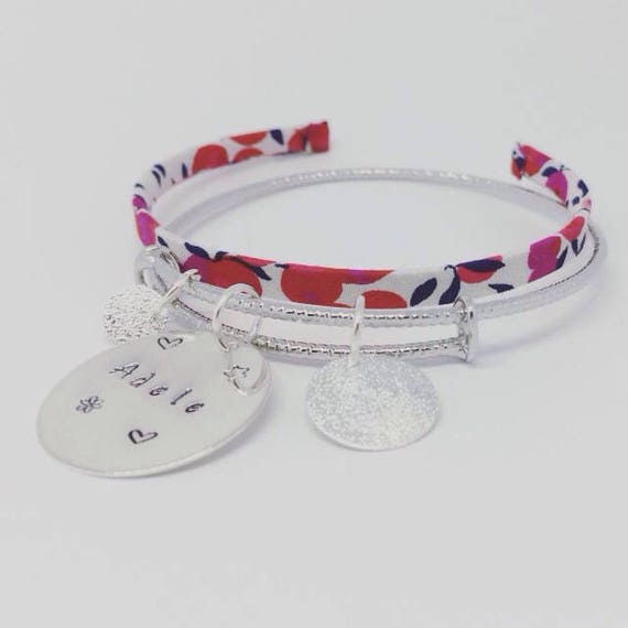 """Bangle personalized shimmering Silver """"SIMPLY"""" with personalized engraving - Palilo jewelry"""