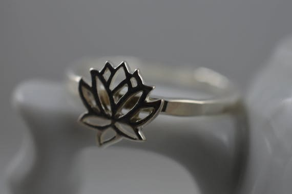 Lotus Flower Ring in Sterling Silver - 925 Lotus Ring