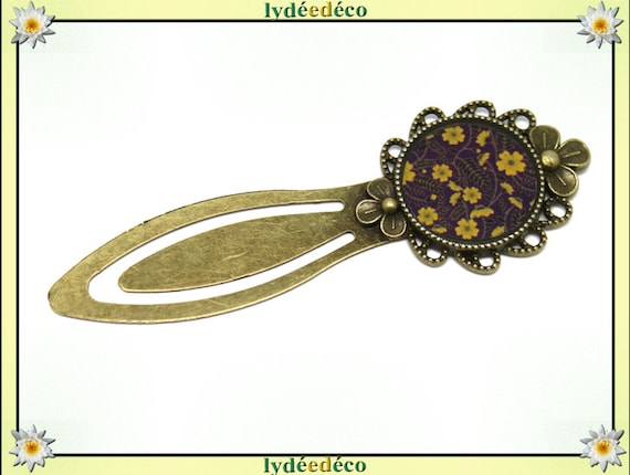 Bookmark retro flower leaf yellow purple Black Brown resin and brass 20mm mother's day personalized anniversary gift