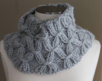 Heather Gray Washable Merino Wool Infinity Scarf, Chunky Knit Merino Cowl Soft Scarf, Warm Winter Scarf, Hand Knit Merino Scarf, Luxury