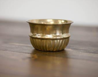 Small Brass bowl l Tchotchke l Vintage display