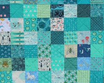 Queen Size Custom Patchwork Quilt, Traditional Quilt, Bedding, you choose the colours.